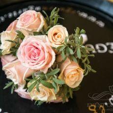 pink-cream-roses-wedding-bouquet