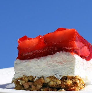 Strawberry Pretzel Salad - I never would have thought that I would love this as much as I do just from the description.  It really is so good.Cravings Comforters, Sweets, Food, Frozen Strawberries, Strawberry Pretzel Salad, Bridal Shower, Strawberries Pretzels Salad, Pretzels Desserts, Cream Chees