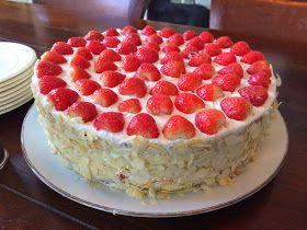 Cressida Bakt!: Feestelijke aardbeientaart!
