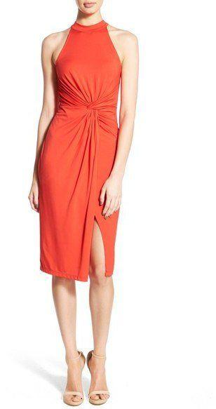 Pin for Later: Die 45 schönsten Kleider (& 5 coole Jumpsuits) für den besten Abiball aller Zeiten  Astr orange-farbenes, hoch geschnittenes Kleid (50 €)