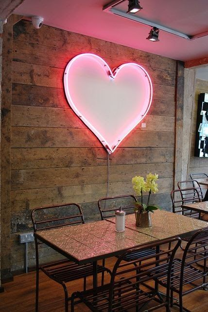 Could totally go a neon loveheart in my kitchen. Why not.