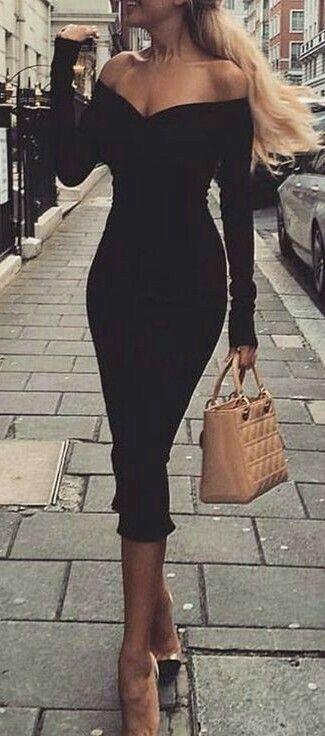 2fe9a2b0ded Robe moulante noire sans manche saint valentin longueur mi mollet ...