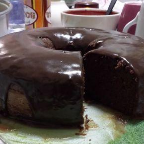 Bolo de chocolate com cacau alcalino