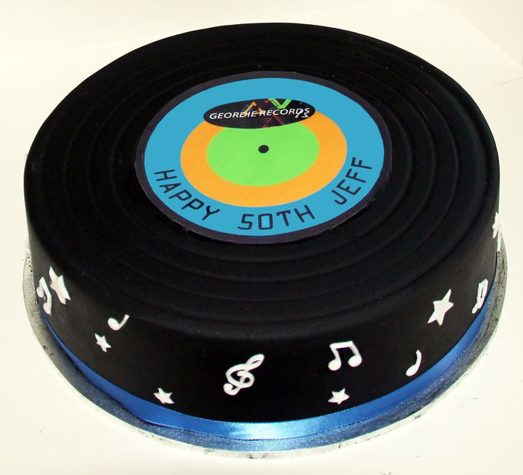 Vinyl Record Cake Like us at www.facebook.com/melianndesigns