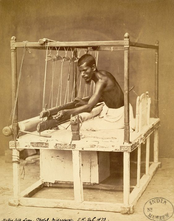 Traditional Hand loom India. Dying craft.