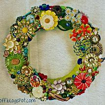 A collection becomes a display {how to make a jewelry/brooch wreath}