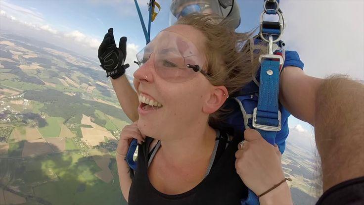 Fallschirmsprung von Carolin in Klatovy mit Edi Engl Amberg Oberpfalz