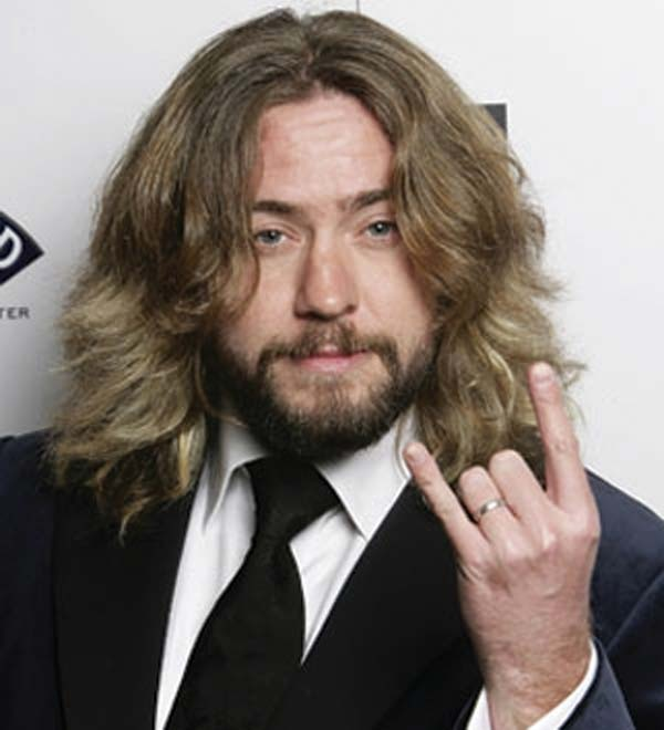 Justin Lee Collins accused of physical and mental abuse against his ex-wife!