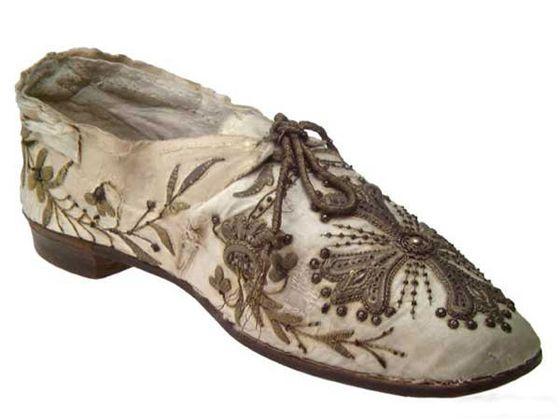 Foto Zapatos antiguos frikis