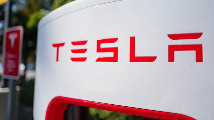 Elon Musk hints at ultra-fast Superchargers way beyond 350 kW - Autoblog