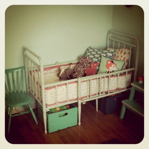 very cute childrens room with Darling Clementine bedding
