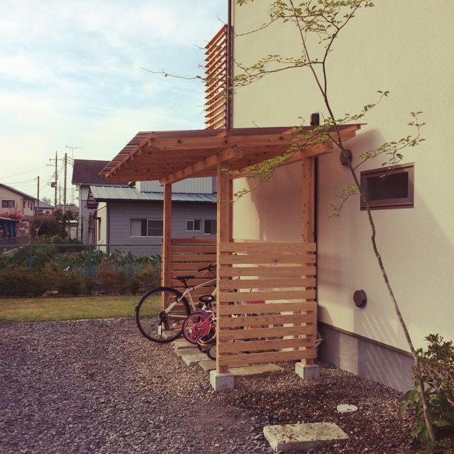 okamoto_aaさんの、インテリアどころか外!,ようやく完成!手作りサイクルポート!,アオハダ,雑木の庭,植物,庭,サイクルポート,木製,DIY,玄関/入り口,のお部屋写真