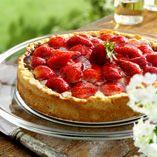 Jordbærtærte - Opskrifter http://www.dansukker.dk/dk/opskrifter/jordbartarte.aspx #tærte #jordbær #sommer #dansukker #opskrift