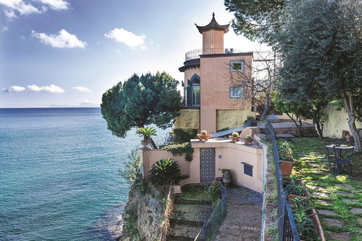A cliffside villa in Naples – in pictures