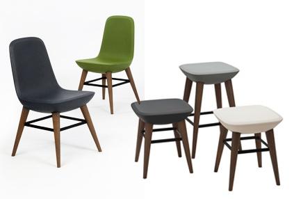 Pebble - De Vorm - stoel, tafel en kruk.  kunststof / eiken www.objectform.nl