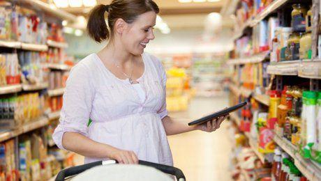 Что нельзя есть кормящей матери: полный список продуктов
