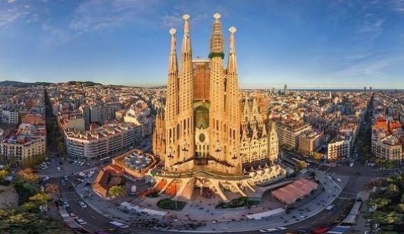 #barcelone #barcelona #барселона #чтопосмотреть #достопримечательности #саградафамилия Саграда Фамилия. Стоимость билетов на достопримечательности Барселоны | Барселона10 - путеводитель по Барселоне