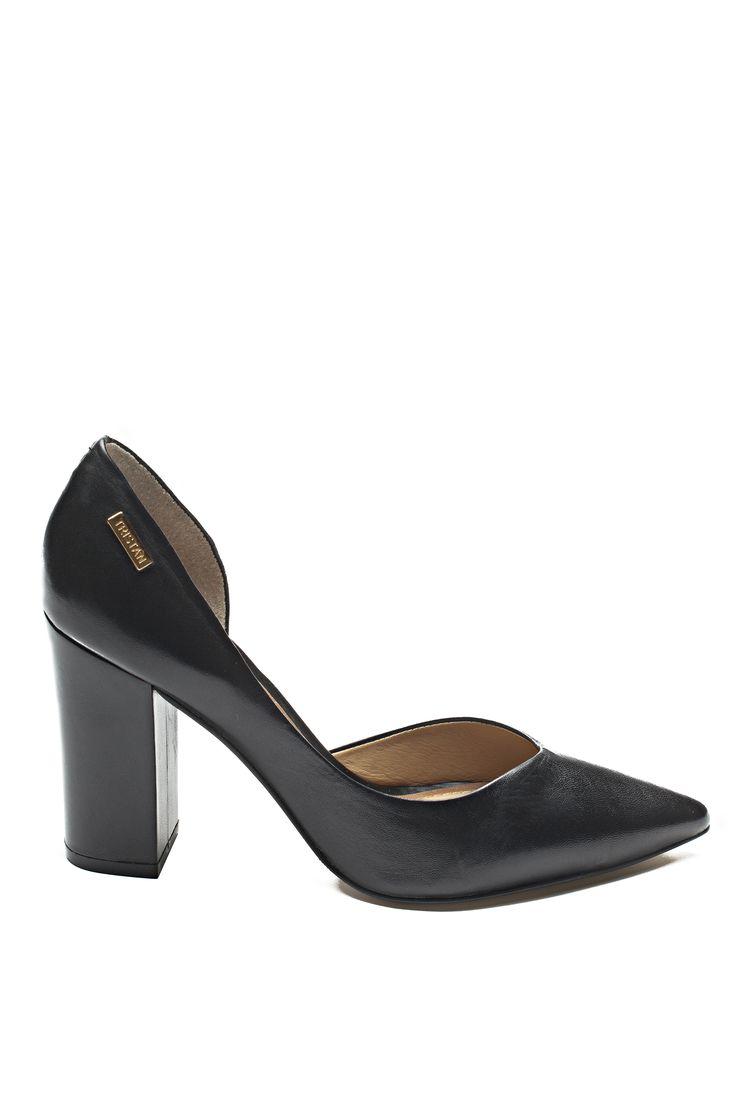 Escarpins talons carrés/ Square high heels https://www.tristanstyle.com/en/femmes/chaussures/escarpins-talons-carres/24/fa080c0106z/