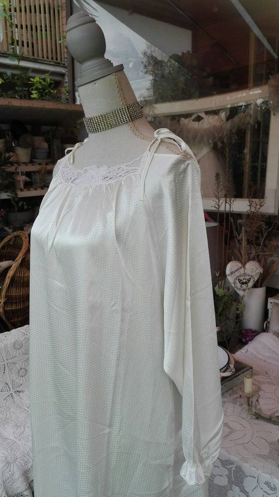 Shabby Chic Vintage Nightgown White Wedding Bridal Outlet Woman Chic