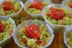 Cuscus pesto, pinoli e pomodorini. Delizioso. Da fare e rifare.