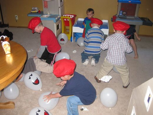 Mario- Boo Balloon Bash, Filled with Gold Coins