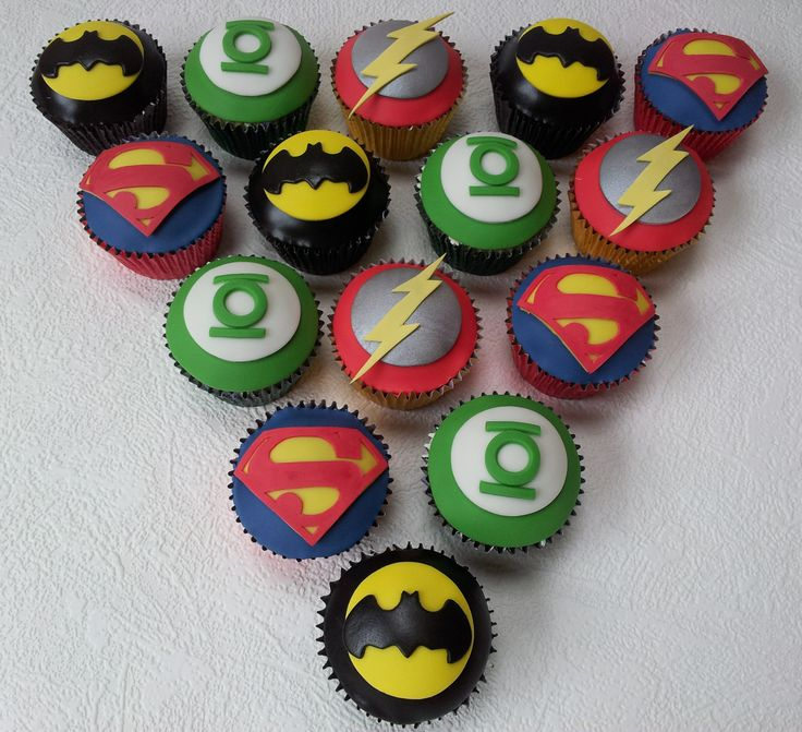 Cupcakes! - Justice League Hero cupcakes