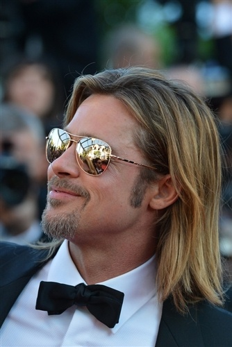 Sunglasses with Mirrored lenses are in this season. Brad Pitt sports Black Onyx: style on Cannes red carpet