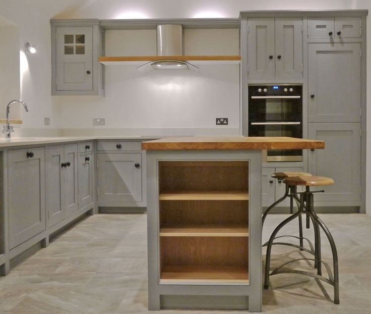 Another Dunham Fitted Furniture kitchen in grey, this time in Fired Earth's Plumbago. Fitted in Corbridge in Northumberland it looks sleek, contemporary, but with strong traditional roots to create a welcoming and inviting airy feel. From www.dunhamfiitedfurniture.co.uk