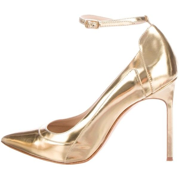 Pre-owned Manolo Blahnik Metallic BB Pumps ($260) ❤ liked on Polyvore featuring shoes, pumps, gold, metallic gold pumps, metallic pumps, pointy-toe pumps, leather shoes and pointy toe ankle strap pumps