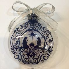 Floating Christmas Ornament made with my Silhouette Cameo cutting machine and adhesive vinyl (Oracle 651)