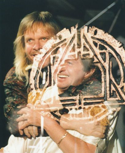 JON-ANDERSON-AND-RICK-WAKEMAN-UNSIGNED-PHOTO-A1110-MEMBERS-OF-YES