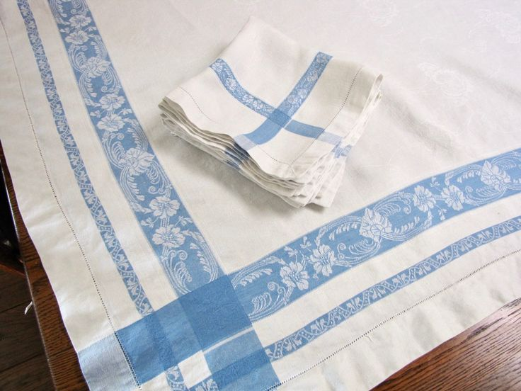 Blue and White Damask Tablecloth, 6 Napkins, Vintage Damask Tablecloth, and Napkins, Vintage Tablecloth Set, French Country, Farmhouse