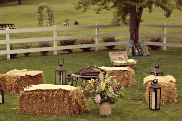 Cute seating around bonfire for weddingunless they catch fire