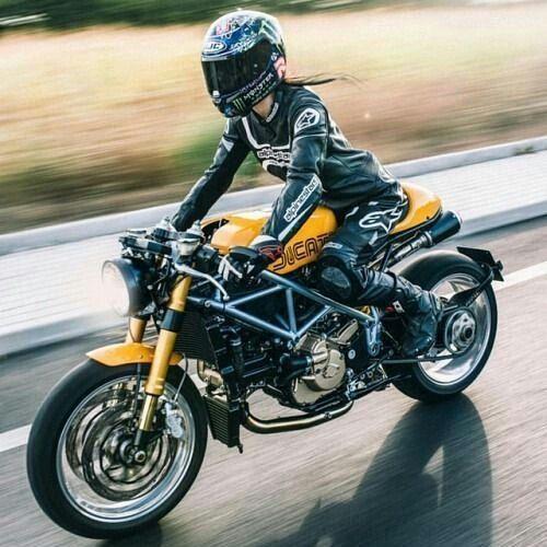 İyi haftalar.  #motoron #motorin #motosiklet #motorsiklet #yamaha –