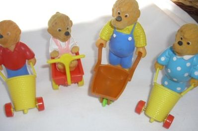 Berenstain Bears happy meal toys. I didn't have these, and don't even remember them. I'd love to have them now to display in my classroom.  I collect story book characters to go with my children's books. They help young readers relate better to the stories.