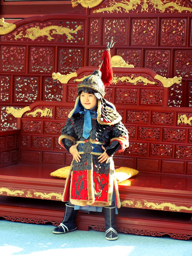 Boy dressed up in the style of Admiral Yi Sun-sin, a Korean naval commander, famed for his victories against the Japanese navy during the Imjin war in the Joseon Dynasty and considered one of Korea's greatest heroes of all time.