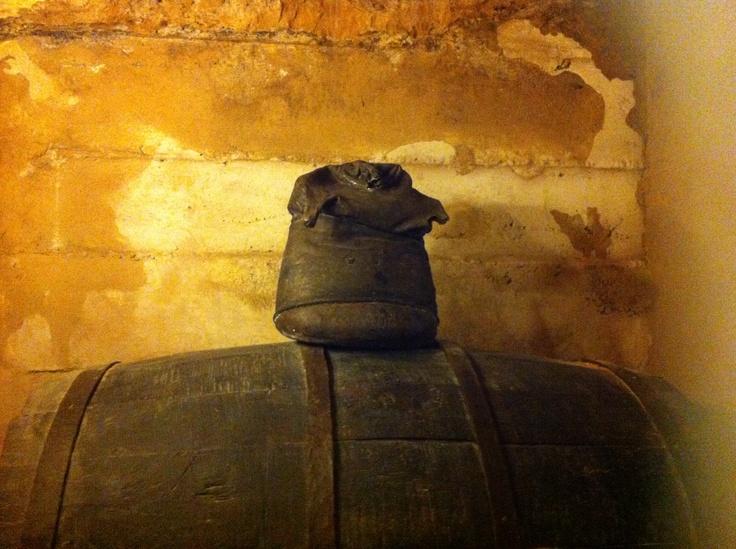 Wine barrel or warrior - Barril de vino o guerrero