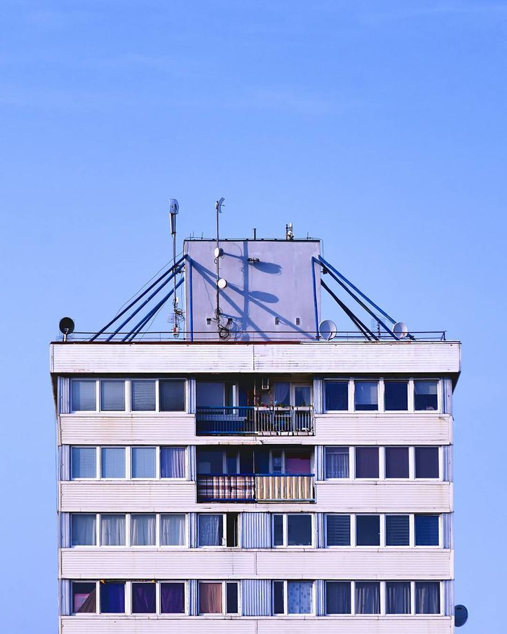Trzonolinowiec #architecture #photography #wrocław #wroclove #trzonolinowiec #minimalism #wroclaw360 #igerswroclaw #wroclaw_official #architektura #mwwteam #kochamwroclaw #wroclovers #nikond7000 #nikonartists #polska_w_obiektywie #arkminimal #rsa_minimal #polandarchitecture #learnminimalism #minimalismo #archidaily #arquitetura #building #simplicity #wrocławskiekadry