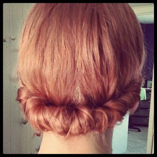 cute vintage style updo - works with short hair!!