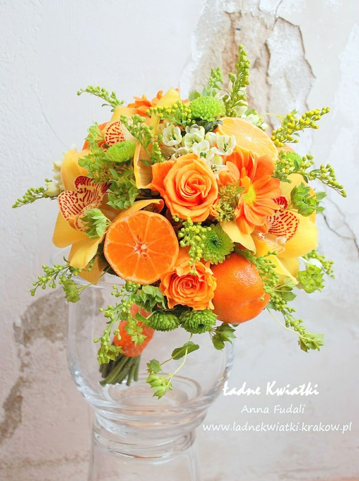 Bridal bouquet in juicy orange color with a hint of lime