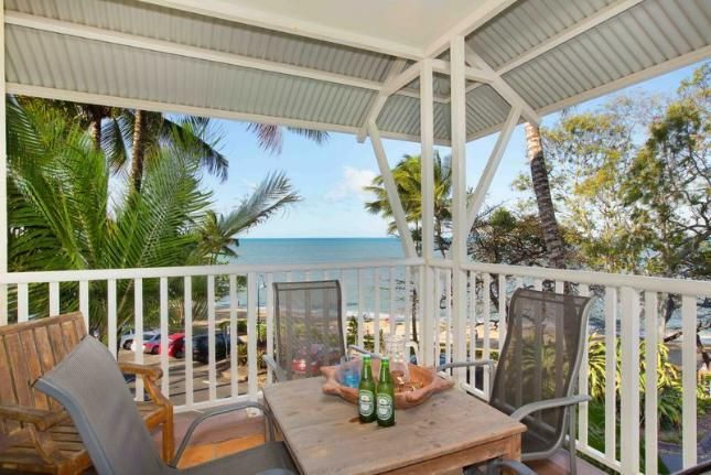 The Beach Shack, a Trinity Beach Apartment   Stayz