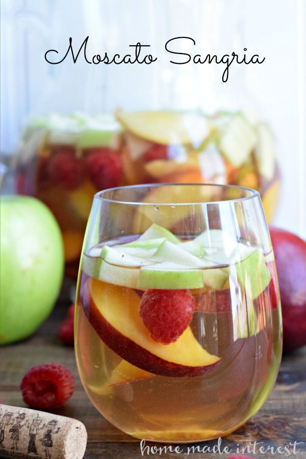 This Light Moscato Sangria Is At The Top Of My Summer Drinks List Made With Fresh Summer Fruit