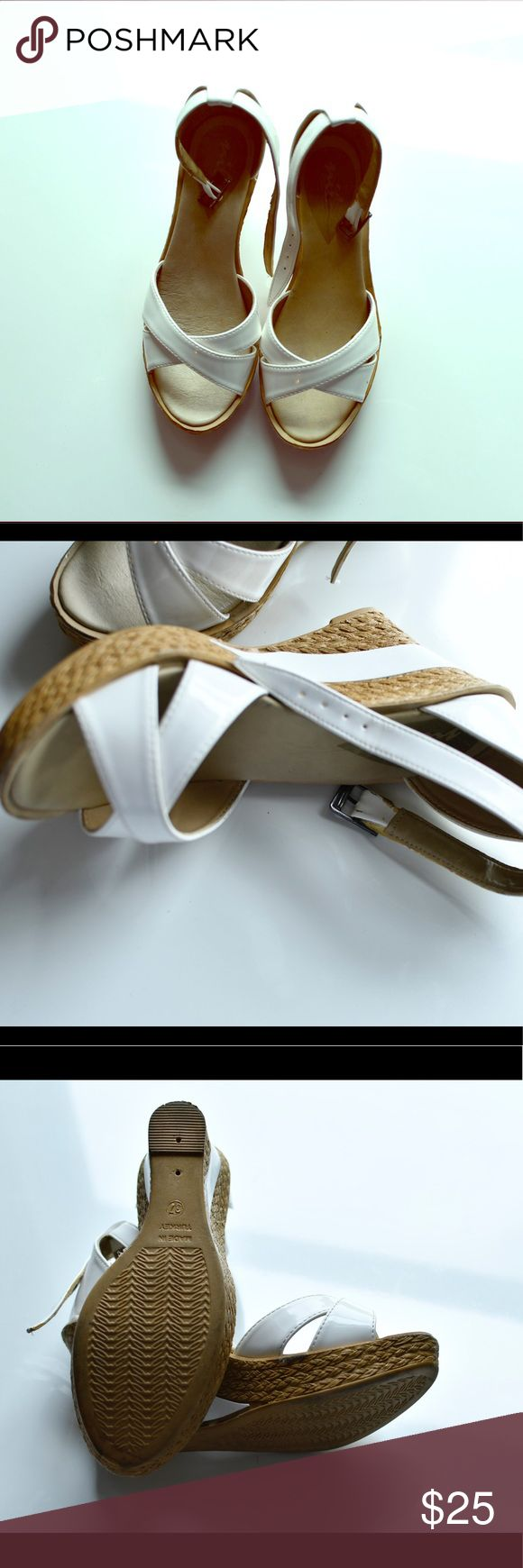 White shoes 👠 Pre- own excellent condition white platform shoes nil Shoes Platforms