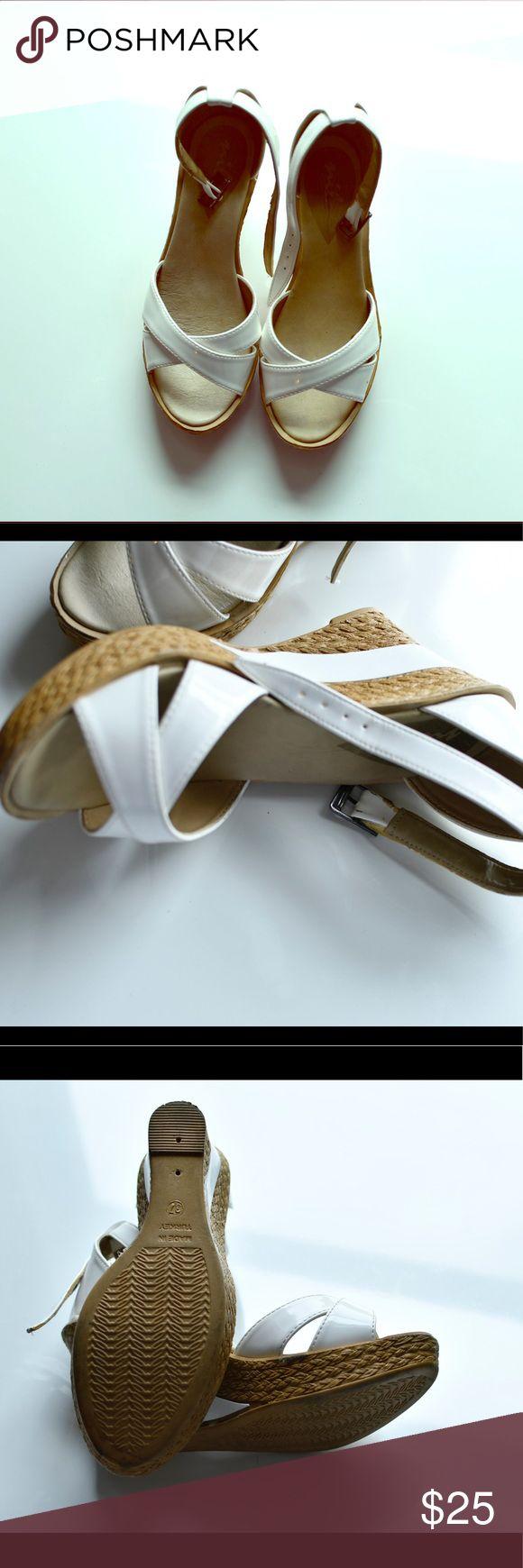 White shoes 👠 Pre- own excellent condition white platform shoes nil Shoes Platforms