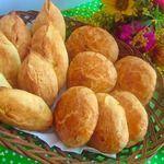 Творожные пирожки со сливами