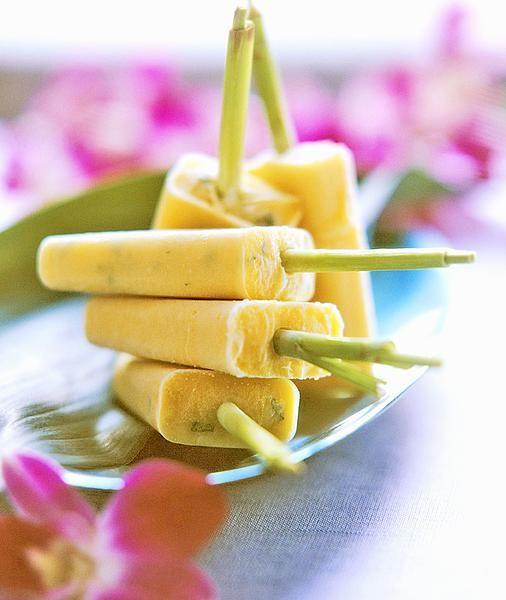 Recept: Mango-muntyoghurtijs - Margriet