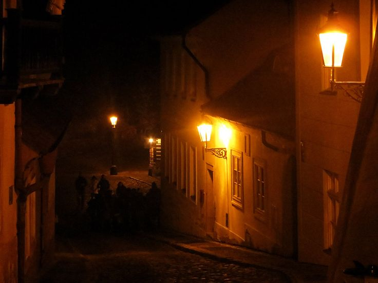 Guided tour: New World street in Prague, Czech Republic. A charming place that has attracted many artists and romantic soles for more than three centuries can be found near Loreto and Prague Castle.