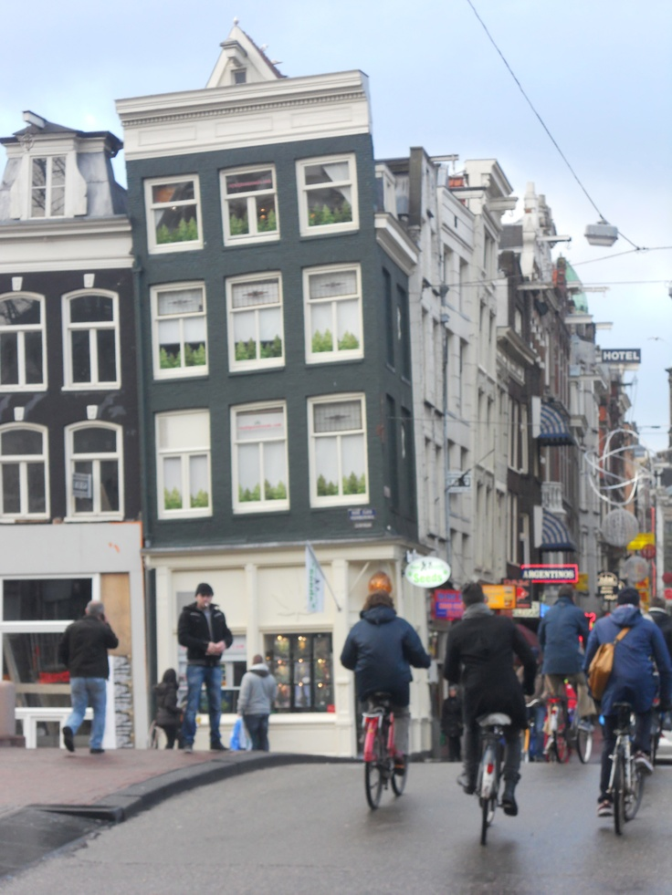 Pending house, Holland