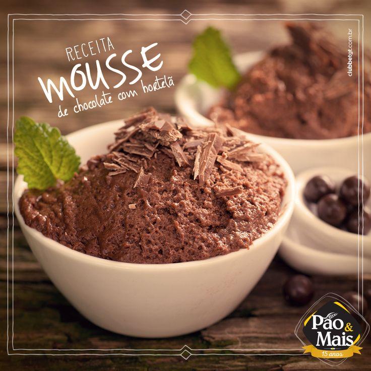 Que tal uma sobremesa super rápida de fazer? Hoje vamos te ensinar a preparar um delicioso Mousse de chocolate com aroma de hortelã. http://on.fb.me/1x1V4OV