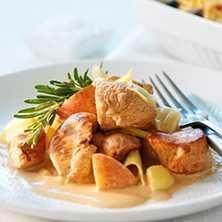 Recept på lättlagad och krämig kycklinggryta. Favoriten till vardags!